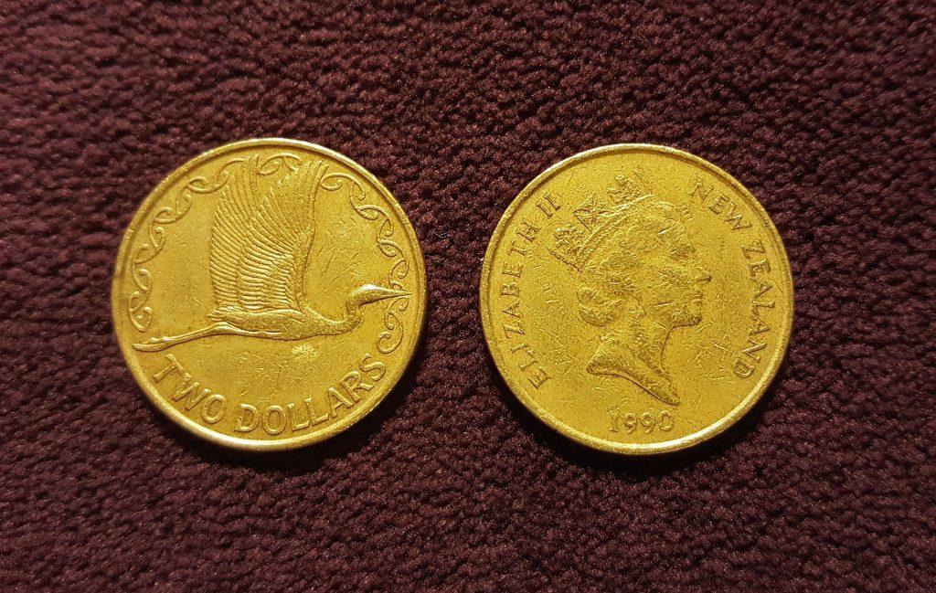 New Zealand 2 Dollar Coin | International Hotdish