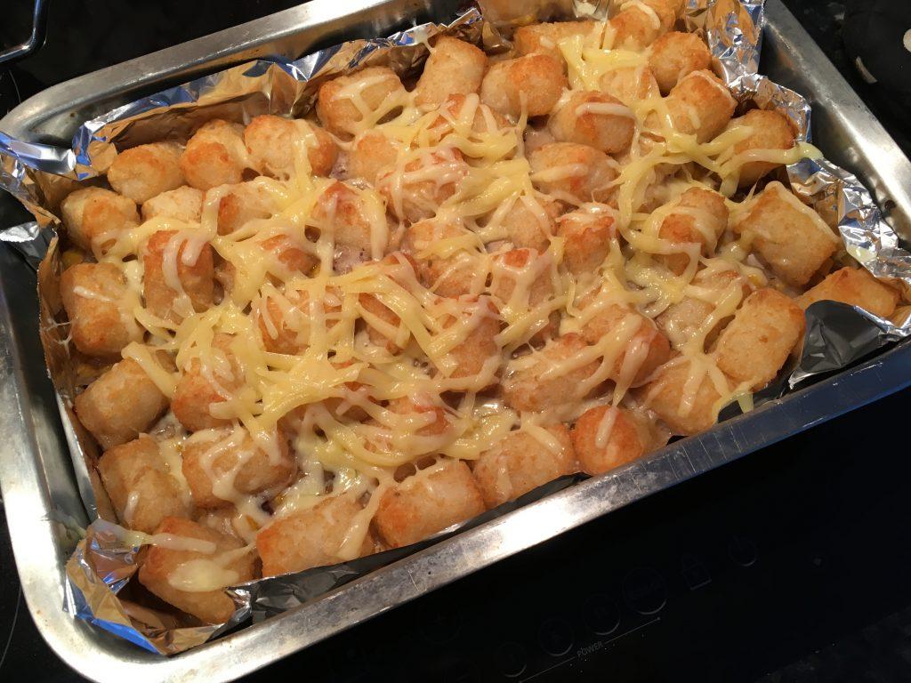 Hotdish in casserole pann