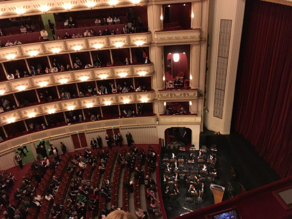 Opera House - One Week Itinerary in Vienna | International Hotdish
